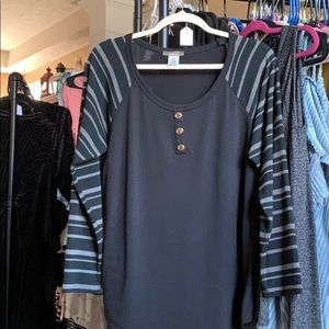 Black with grey stripes top